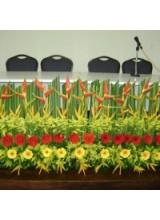 Jardineira de flores tropicais